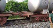 তেলবাহী ট্রেনের ৫টি বগি লাইচ্যুত জীবননগর উথলীতে
